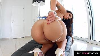 Lauren Minardi gets her ass drilled gonzo style in anal scene