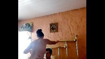 Xxx descarga videos por rapidshare - Ro y lu. video casero, chico joven lo traísona los nervios y termina antes de lo deceado. y mi mujer implacable como siempre.