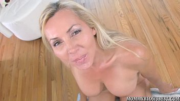Blow jobs big boobs - Sexy british milf and naughty blow job pro lisa demarco