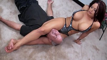 Sluts fighting Svdl 842 crossing her legs on his neck preview clip