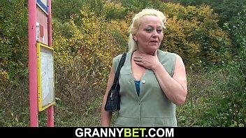 Mature 60 Hairy pussy grandma