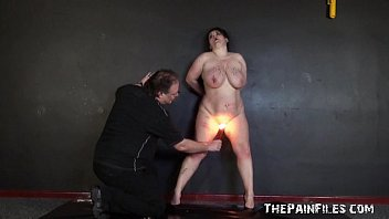 Amateur bdsm and hot wax punishment of mature bbw slaveslut in extremes 6分钟