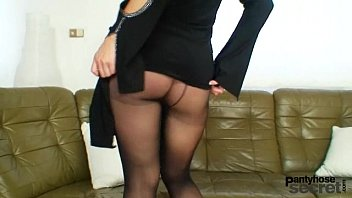 Pantyhose model bibi Bibi fox likes nylons and black pantyhose dildo masturbation