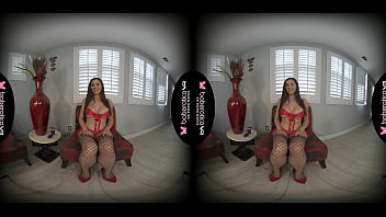 Solo honey, Lillian Stone is extremely horny, in VR