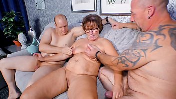 Free mature swingers stories Reife swinger - chubby german granny sucks and fucks two cocks in naughty threesome
