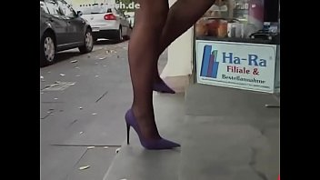 Latex bedding co Hot milf in heels latex stockings. see part2 at goddessheelsonline.co.uk