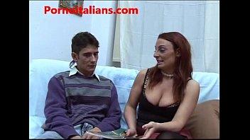 Mamma porcella scopa figlio - o italiano - italian mommy busty milf