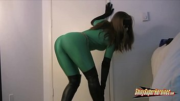 Heroine green spandex video