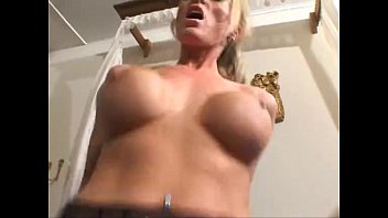 Antonia Deona Maid Fucked In Fishnets Vorschaubild