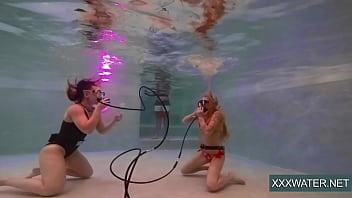 Jane And Minnie Manga Swim Naked In The Pool