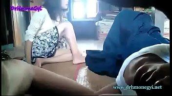 Myanmar girl give blowjob his bf