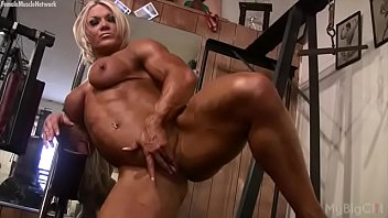 Nyc muscle goddess big clit Female bodybuilder masturbates her clit in the gym