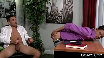 Office gay sex porn - Alan kennedy sucks and fucks for promotion