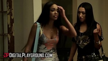 (Selena Santana, Ben English, Vicki Chase) - Trading Mothers for Daughters - Scene 4 - Digital Playground