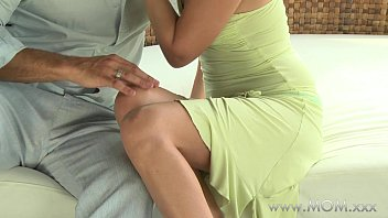 Sext itailan moms get fucked Mom milf gets fucked in the fresh air