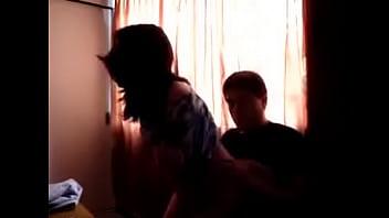 Un rapidin con la puta hermana de mi esposa en mi casa cuando llegó de visita