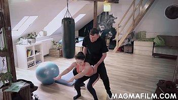 Η γυμναστική γίνεται άγριο γαμήσι
