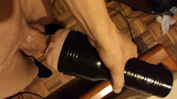 Silicone Fleshlight no meu pau de 12cm. 14秒