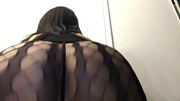 Tgirl @journeyvik twerking showing ass off to daddy's