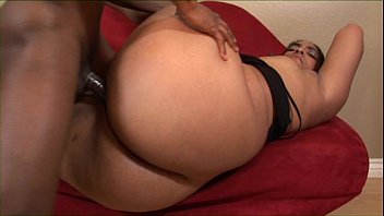 ghetto hoe showing off her dick sucking skills and fuck