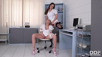 Dominant Nurse Kendra Star Spanks Leggy Babe Lena Nitro At Clinic Vorschaubild