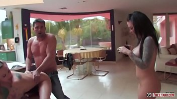 Two girls lose a bet the guy had to suck his cock;