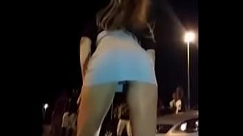 Loira Safada De Vestido Sem Calcinha Rebolando No Fluxo - Xpussy.online