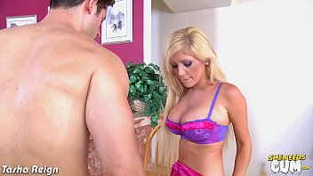 Blonde Tasha Reign gets facialized