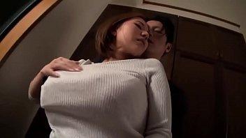 หนังXนมใหญ่ ดาราโป๊สาวญี่ปุ่นเล่นบทเสียว ถูกคู่รักผู้ชายกระเด้ายับเยิน เย็ดจนน้ำเงี่ยนแตก