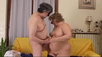 Amateur mature couple loves to fuck and to be