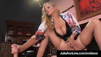 Super Hot Mom Julia Ann Rides Slave Boy Face With Moist Muff porno izle
