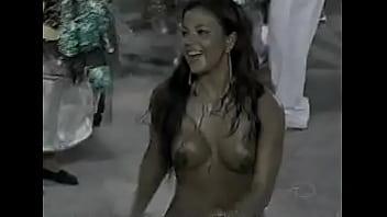 gostosa pintada no carnaval porn image