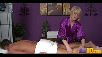 Hot Massage 0930