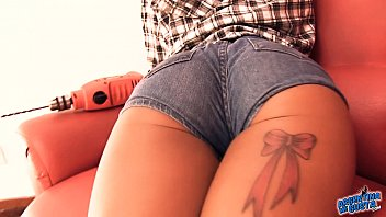Bubble Butt Latina Wearing Tight Denim Shorts! Perfect Ass!