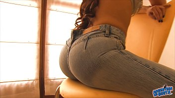 Busty Teen Has a Big Round Ass! Ultra Tight Jeans and Thong!