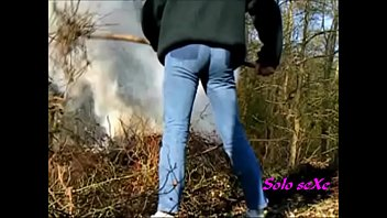 Gay jeans - Travailler en jeans moulants 004