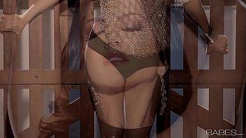 Sunny Leone - solo masturbation