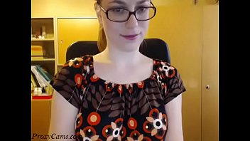 Hot nerdy girl stripping and dancing nude on webcam - ProxyC