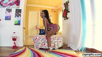 NYMPHO Ebony babe Demi Sutra fucked by a big cock porno izle