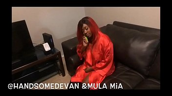 Mula Mia XXX calls Handsomedevan for an hand on m.'s