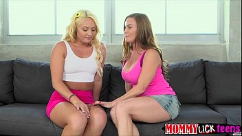 Skanky ladies Keely and Diamond in hot pussy licking on couch
