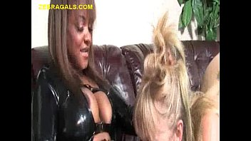 Doggie lesbian Ebony chick is in charge
