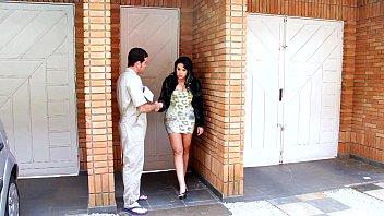 Morena Com Rabo Enorme Seduz Casado Safado