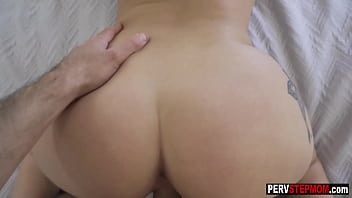 Busty stepmom Macey Jade gives a head to stepson before hot pussy fucking