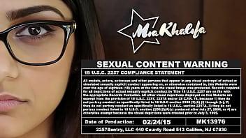 MIA KHALIFA – Game Night With Rachel Rose & Tiffany Valentine