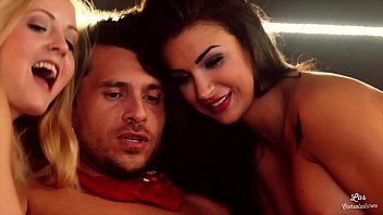 LOS CONSOLADORES - Spanish babe Susy Gala gets banged in FFM threesome
