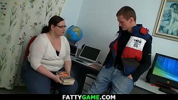 Big belly teacher spreads legs for stud