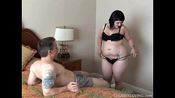 Cute chubby goth is a super hot fuck and loves facials