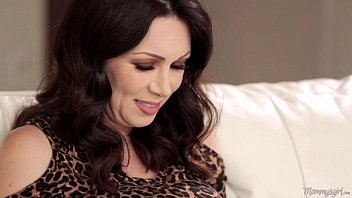 Mother-In-Love RayVeness and Gracie Glam Licking Each Other Out