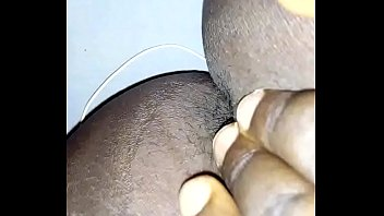 Uniosun girl playing with her pussy